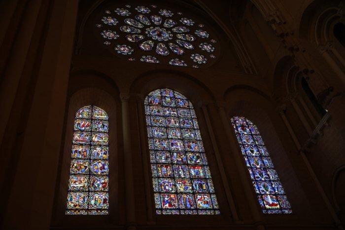 Die Glasmalereien der Kathedrale sind weithin berühmt. Foto: Stephan Bleek