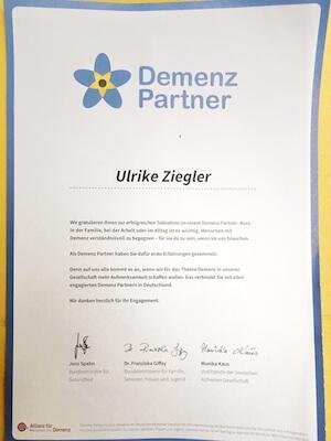 Dieses Zertifikat weist mich als Demenz Partner aus. Foto: Ulrike Ziegler