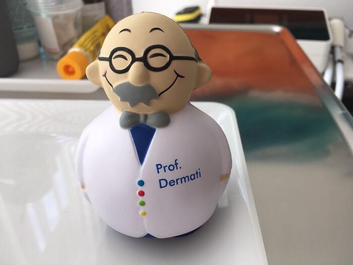Professorfigur-aus-Gummi