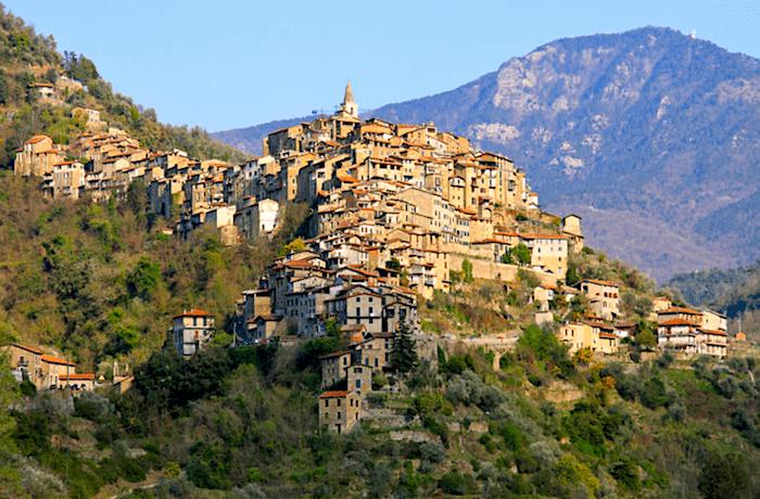 Bergodrf in Ligurien